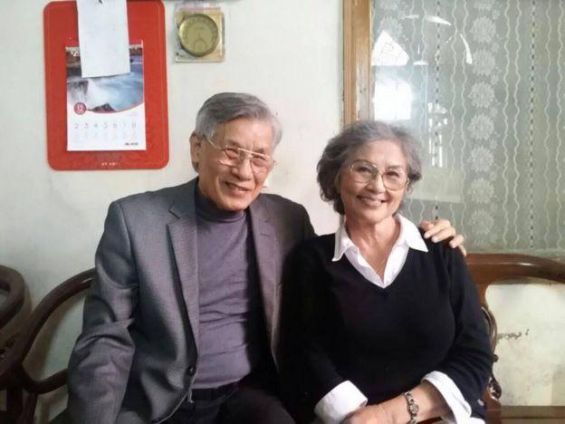 Nghệ sỹ Kim Chi và TS Mạc Văn Trang tại nhà Thiếu tướng Nguyễn Trọng Vĩnh
