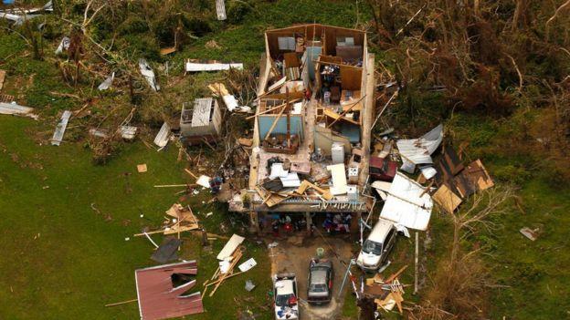 Daños tras el huracán Maria.