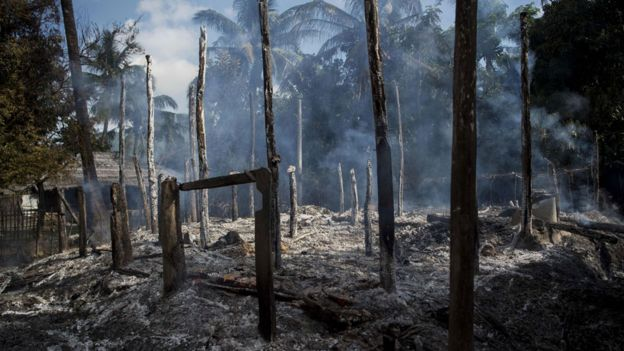 Casas incendiadas