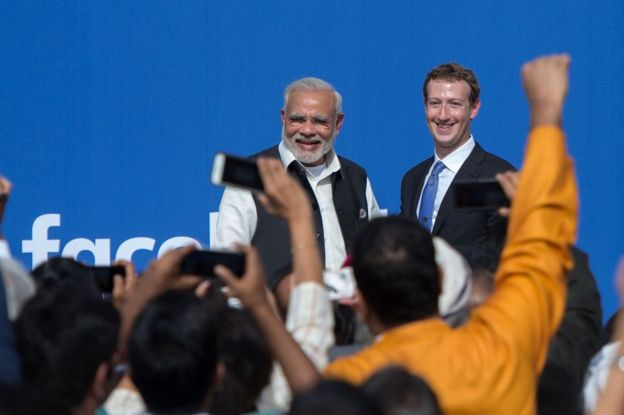 Indian Prime Minister Narendra Modi (L) and Facebook CEO Mark Zuckerberg at a Townhall meeting in California.
