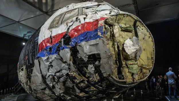 terjawab, dari mana rudal yang menjatuhkan pesawat mh17 bbc newsPesawat Malaysia Mh17 Ditembak Jatuh #1