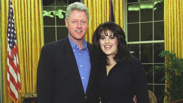 مونيكا لوينسكي مع الرئيس كلينتون