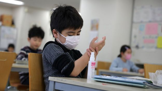 همزمان با تلاش مردم برای متوقف کردن شیوع ویروس، تقاضا برای ژل ضدعفونیکننده نیز افزایش یافته است