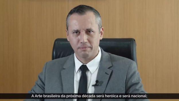 Reprodução de vídeo de Roberto Alvim