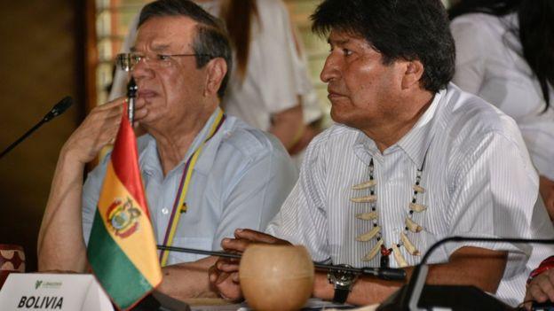 Morales (derecha)