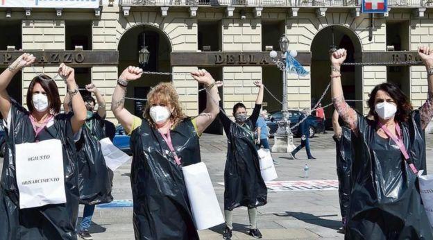 Enfermeiros protestando em Turim