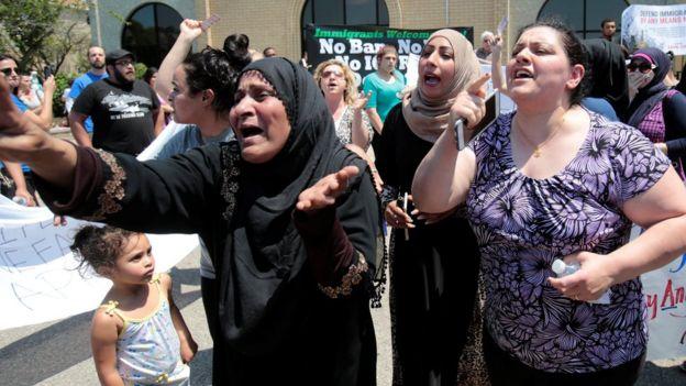 Protesta en rechazo a la deportación de iraquíes en Michigan el 12 de junio de 2017.