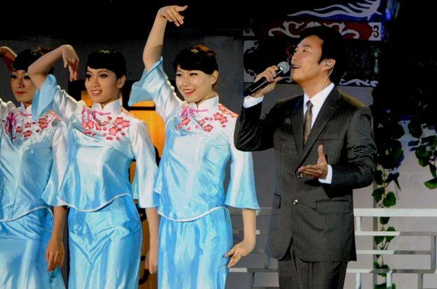費玉清在福州參加央視舉辦的中秋晚會