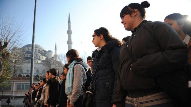 İstanbul'daki kız öğrenciler