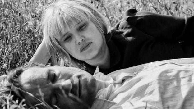 Прообразами главных героев фильма Виктора и Зулы стали родители режиссера