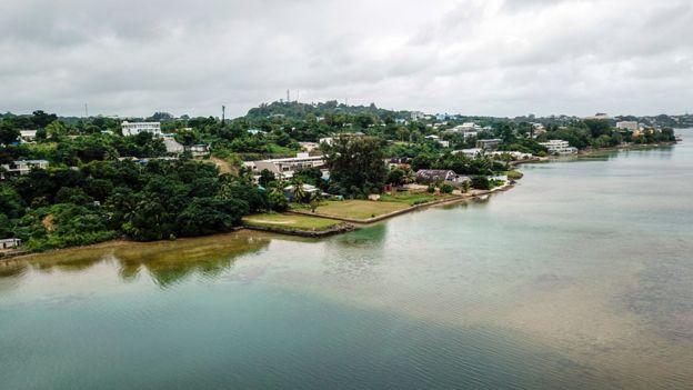 تبيع حكومة فانواتو المطلة على المحيط الهادئ جواز سفر بلادها مقابل حوالي 150،000 دولار