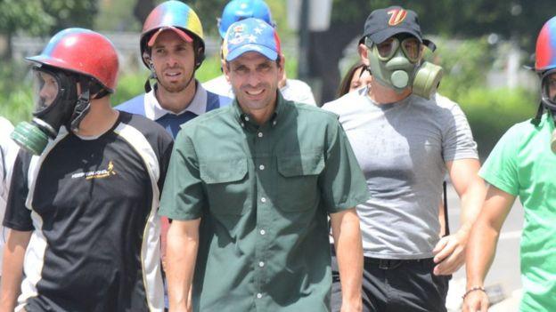 Capriles.
