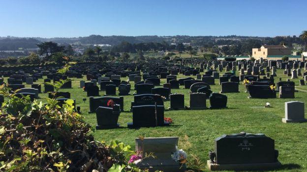 Cementerio en Colma, California