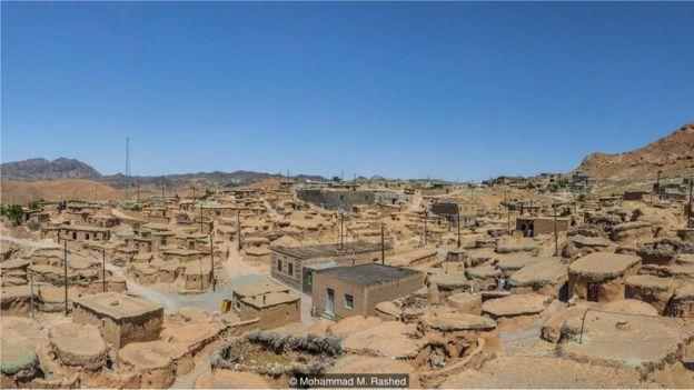 Cho đến khoảng 100 năm trước đây, một số cư dân làng Makhunik chỉ cao có 1 mét