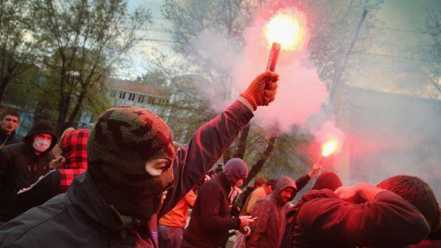 Un manifestante en abril de 2014 en Donetsk, Ucrania.