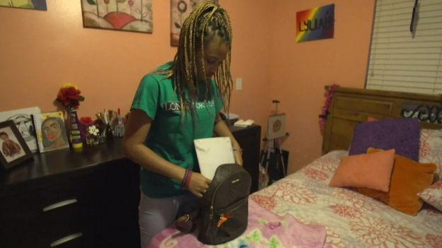 Lyliah Skinner, a 16-year-old student, packers her bag