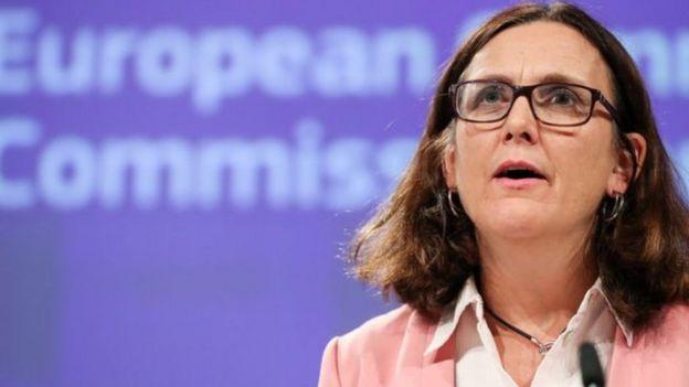 Ủy viên Thương mại EU Cecilia Malmstrom tại họp báo về hiệp định với Việt Nam hôm 17/10