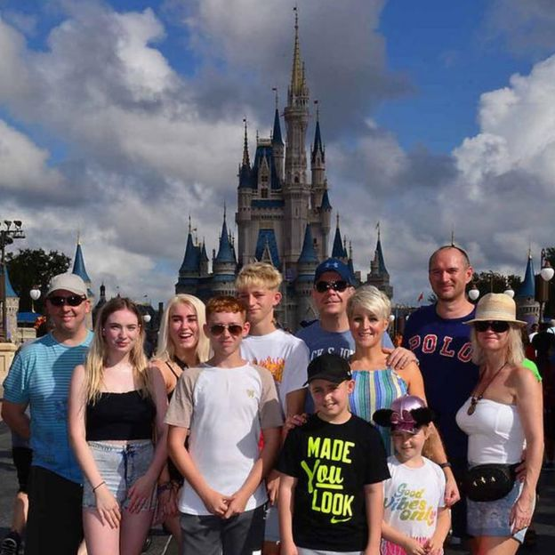 Sarah Wilson con su familia y amigos pasaron dos semanas en Disney World, Orlando.