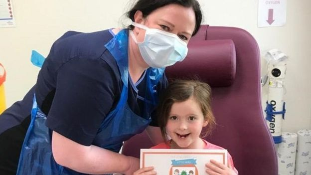 Медсестра с ребенком
