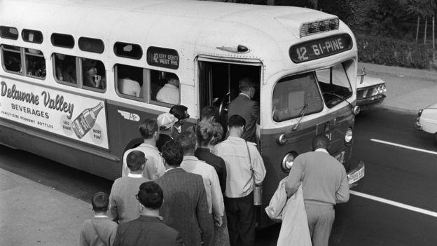 Ônibus nos EUA dos anos 1950