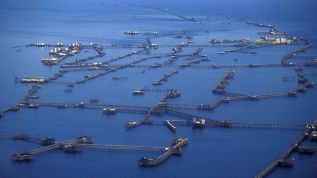 Azerbaycan'ın Hazar Denizi'ndeki Neft Daşları endüstriyel tesisi.