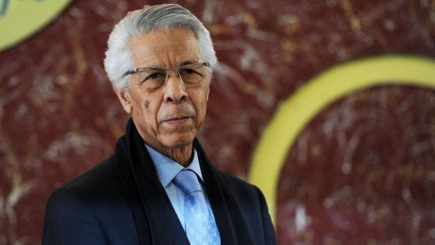 يعد مولود حمروش أحد رؤوساء الوزارة السابقين وقد يستدعى لقيادة البلاد