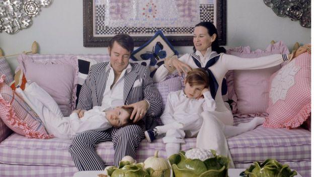 Wyatt Cooper, su mujer gloria y los dos hijos de la pareja
