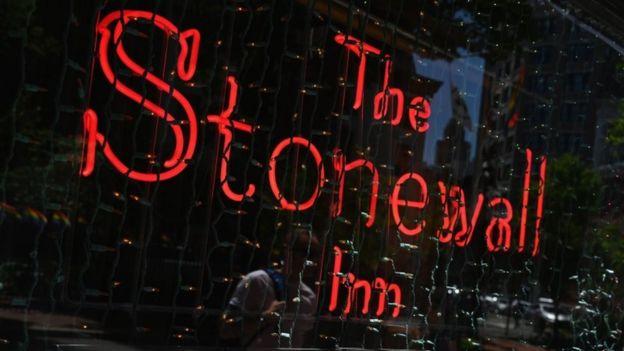 Em 2015, o bar Stonewall Inn foi declarado monumento histórico de Nova York; em 2016, tornou-se o primeiro monumento nacional aos direitos dos LGBT nos EUA. Foto: AFP.