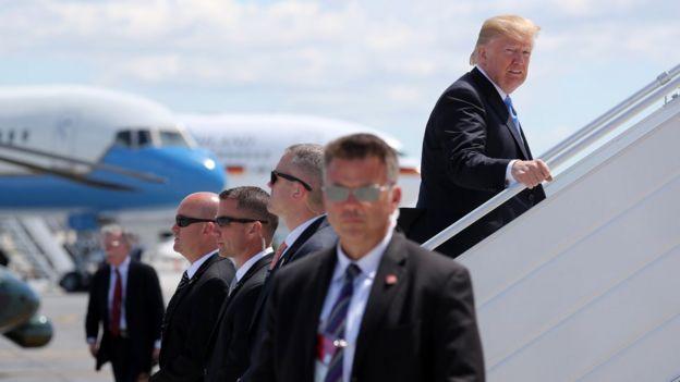 特朗普從加拿大出發去新加坡。