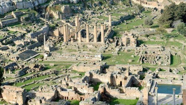 Foto panorâmica das ruínas de Cirene