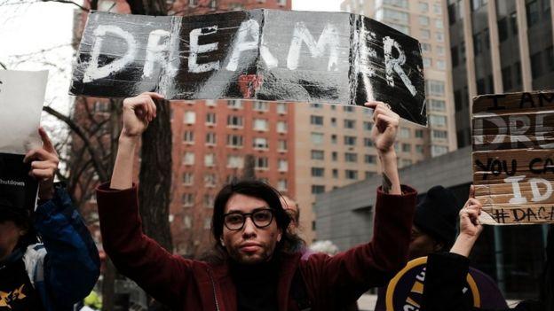 Activistas se manifestaron en varias ciudades de EE.UU. durante el fin de semana en apoyo a los llamados dreamers.
