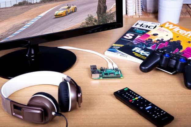 Un Raspberry Pi 4 conectado
