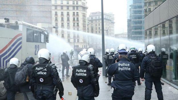 Brüksel'de polis müdahalesi