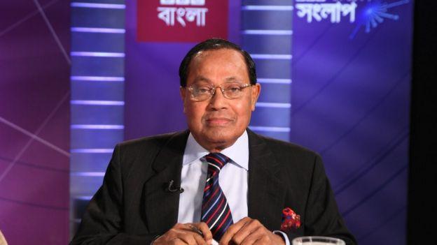 মওদুদ আহমদ