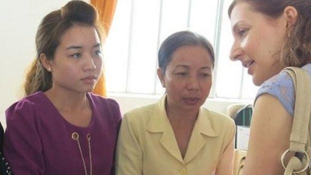 Thu Thủy, em gái, và bà Nguyễn Thị Loan, mẹ Hồ Duy Hải, trong quá trình đi tìm công lý cho Hồ Duy Hải