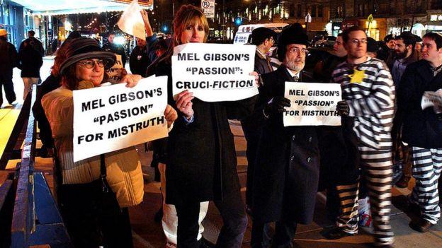 Protestas por una película