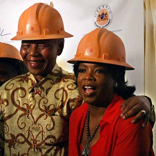 Nelson Mandela y Oprah Winfrey.