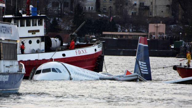 Jet en el río Hudson, en enero de 2009