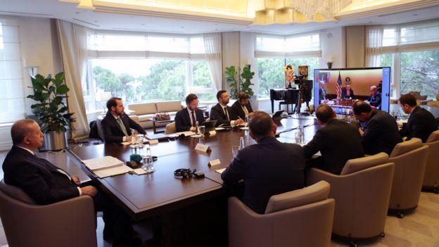Президент Турции Реджеп Тайип Эрдоган во время виртуального саммита