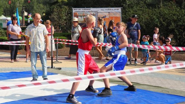 نصبت حلبات الملاكمة في الاحتفال بيوم الاستقلال