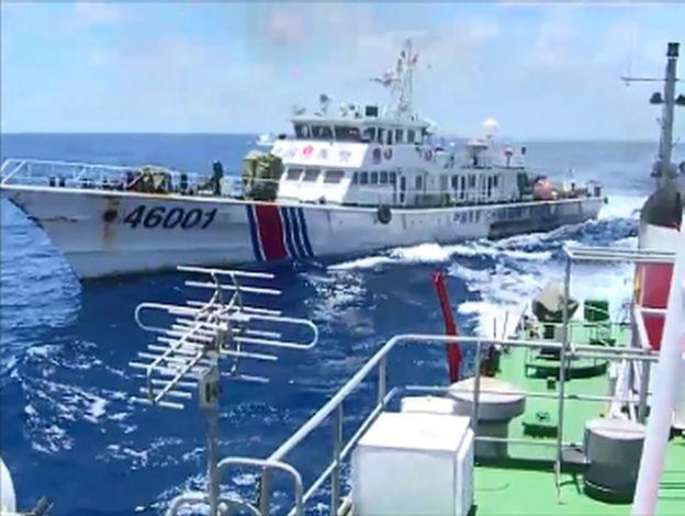 Tàu Cảnh sát biển Việt Nam trong một lần đối đầu với tàu Cảnh sát biển Trung Quốc năm 2014.
