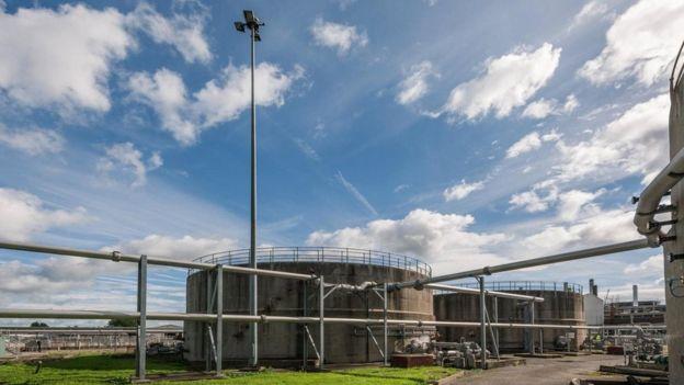 Em Bristol (Inglaterra), a empresa Wessex Water instalou uma planta de biogás para transformar esgoto em biometano