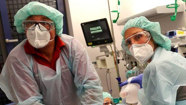 German medics in Hanau, 16 Apr 20
