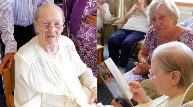 Eileen Maher con Pauline Green leyendo el telegrama de la reina
