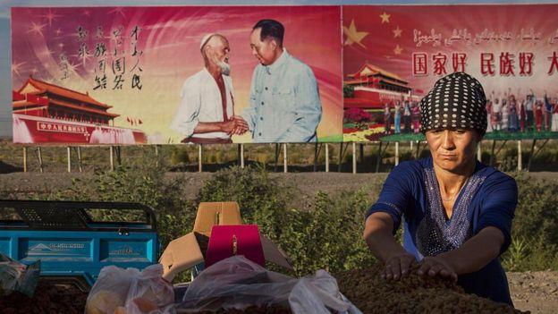 Mujer uigur