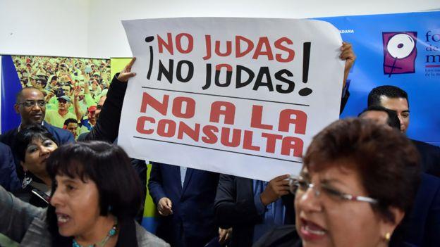 Simpatizantes de Correa y del NO