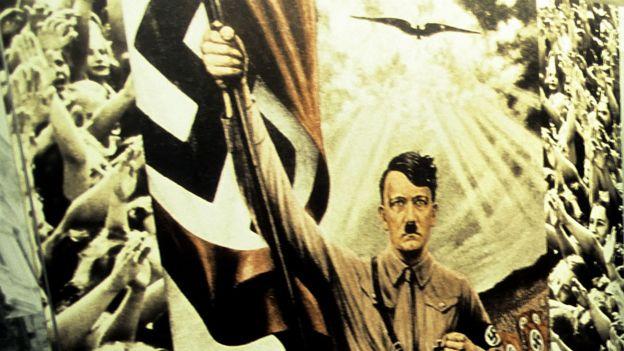 Cartel con Hitler en el centro y gente emocionada