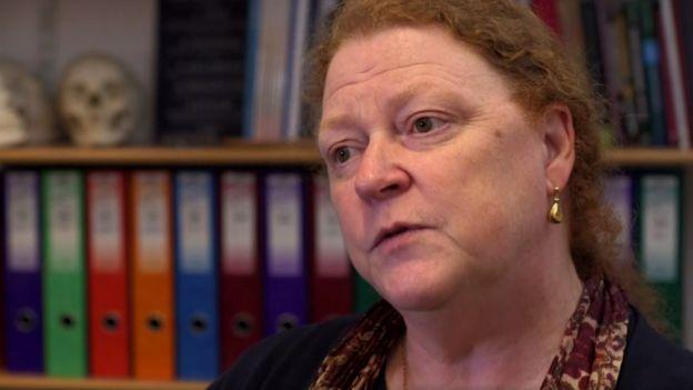 Profesora Sue Black