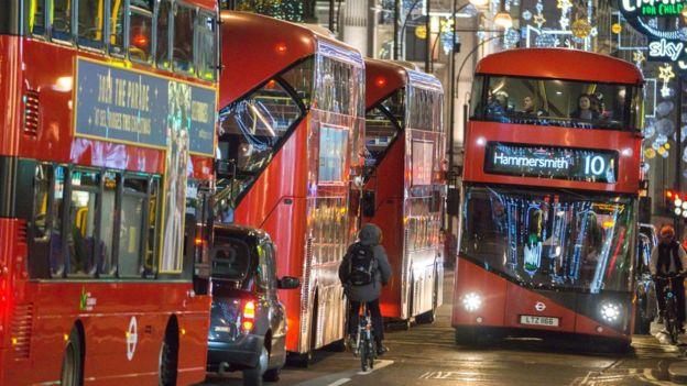 двоповерхові автобуси