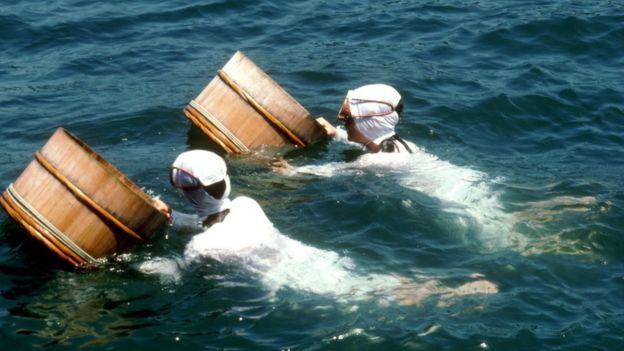 Các Ama xuống biển mà không dùng công cụ, thiết bị nào hỗ trợ